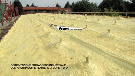 Coibentazione tetto industriale con Poliuretano a Spruzzo