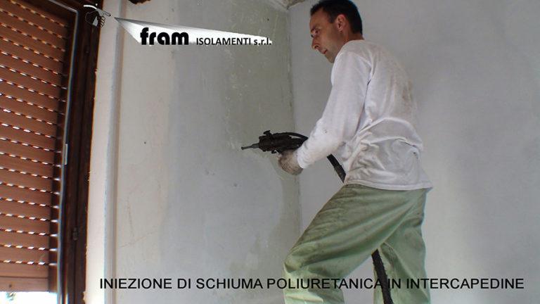 Iniezione schiuma poliuretanica in intercapedine muro